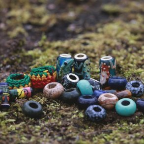 Stone, Glass & Ceramic Beads